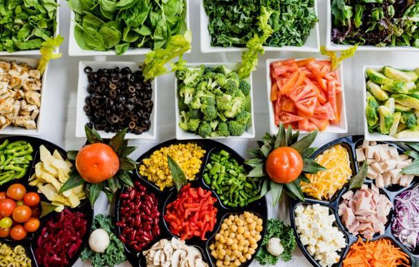 Una dieta completa es clave para gozar de buena salud.