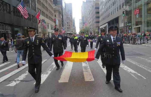 Policías españoles de Melilla desfilan en el Columbus Day por la 5ª Avenida