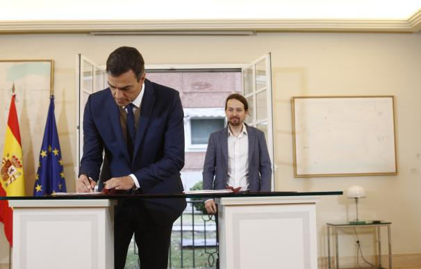 Pedro Sánchez y Pablo Iglesias firman el acuerdo de Presupuestos Generales del Estado