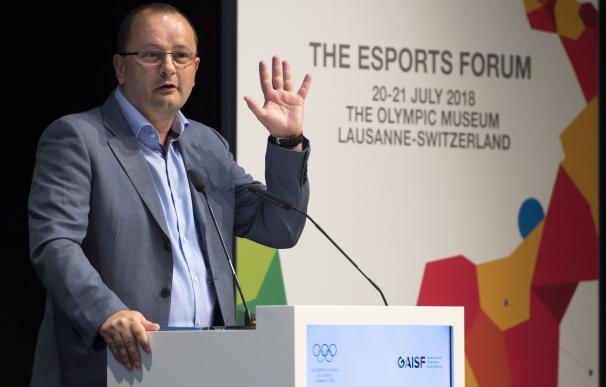 Fotografía de archivo fechada el 21 de julio de 2018, que muestra al suizo Patrick Baumann en el Museo Olímpico de Lausana (Suiza) EFE/Laurent Gillieron
