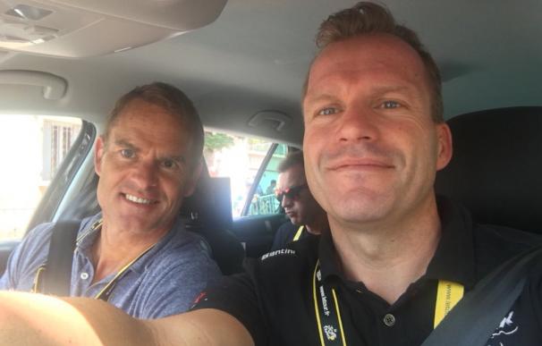 El director del Trek (derecho) junto a Frank De Boer (izquierda).