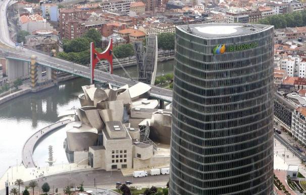 El Gobierno Sánchez ha pactado un trato favorable a la industria vasca en las tarifas eléctricas.