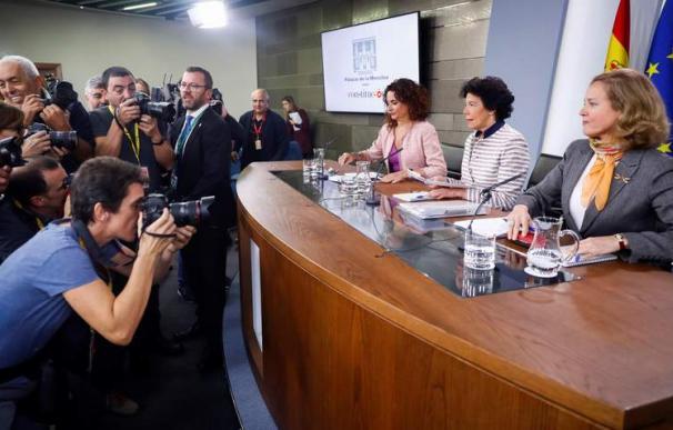 Nadia Calviño, Isabel Celáa y María Jesús Montero, en el Consejo de Ministros
