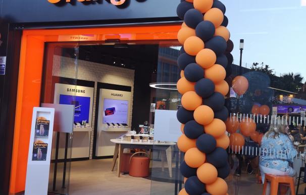 Nueva tienda de Orange en CC Torre Sevilla.