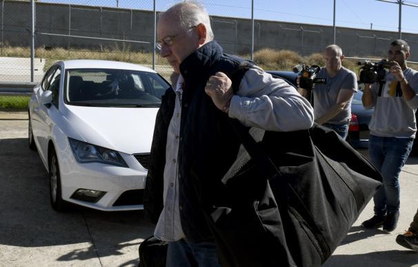 Rodrigo Rato, a su llegada a la cárcel de Soto del Real (Madrid)