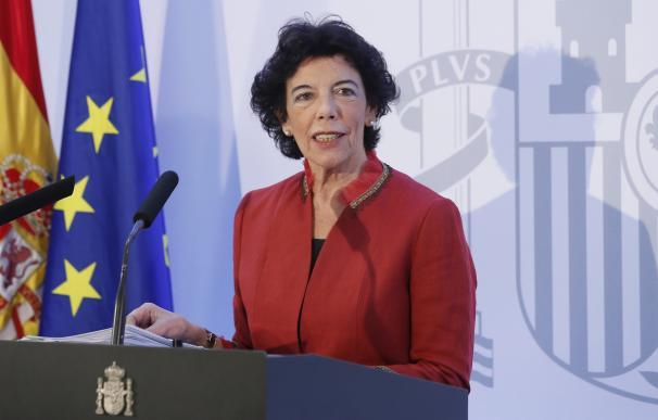 La portavoz del Gobierno durante el Consejo de Ministros celebrado en Sevilla.