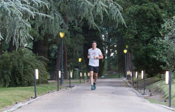 Pedro Sánchez corriendo en La Moncloa