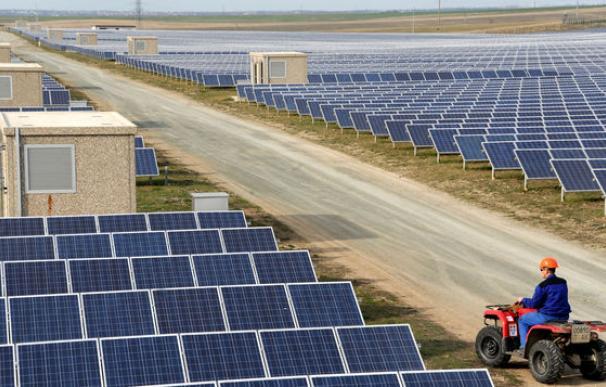 Parque fotovoltaico en la isla de El Hierro.