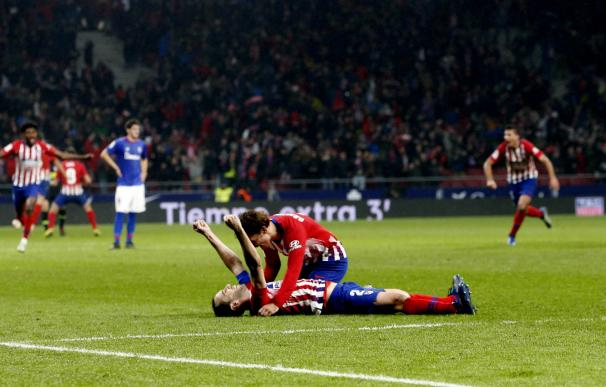 Godin celebra el triunfo del Atlético