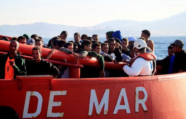 Inmigrantes en el Estrecho