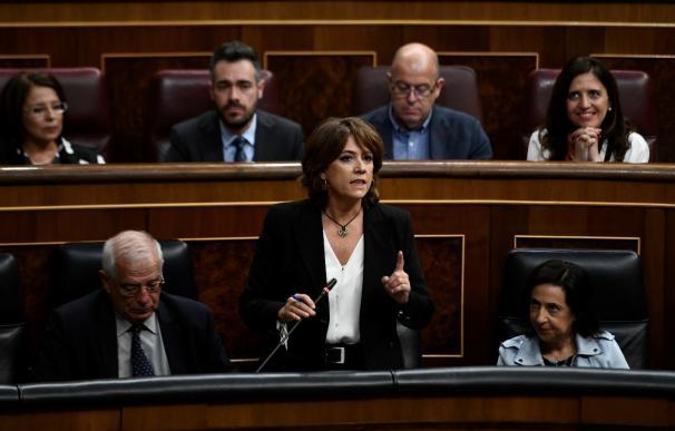 Dolores Delgado, ministra de Justicia, en la sesión de control