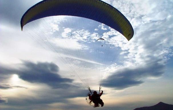 El PSOE exige al Gobierno una solución para regular la práctica de parapente y ala delta en Valle de Abdalajís