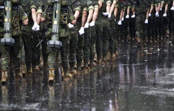 Militares durante un desfile