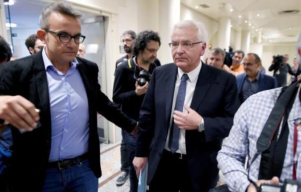 El delegado del Gobierno de la Generalitat en Madrid, Ferrán Mascarell, abandona la comisión del Senado que tramita el artículo 155