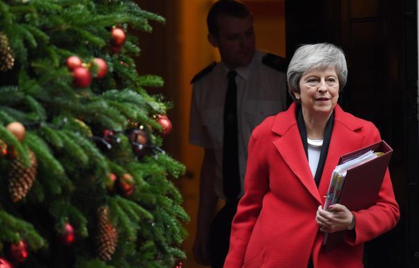 May sigue sin lograr un consenso a su Brexit negociado.