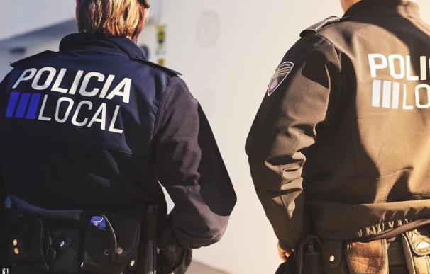 Agentes de la policía local (imagen de archivo)