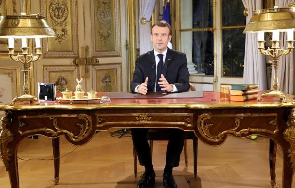 Macron fotografía comparecencia