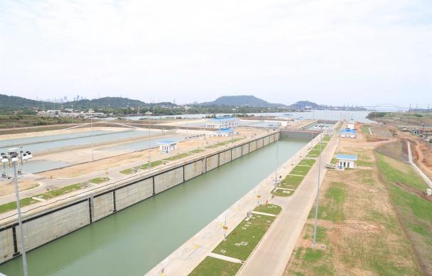Sacyr tendrá que pagar 225 millones por devolver anticipos de la obra del Canal.