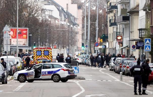 La policía mantiene acordonado el barrio de Estrasburgo.