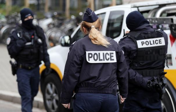 La policía de Estrasburgo ha logrado abatir al terrorista.