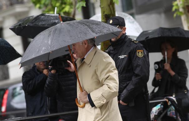 Bárcenas llega a la Audiencia Nacional para saber si ingresa ya en prisión