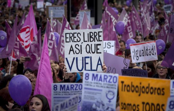 Miles de mujeres salen a las calles de Madrid