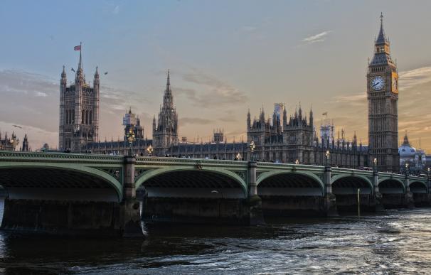 LONDRES (2.056 EUROS)