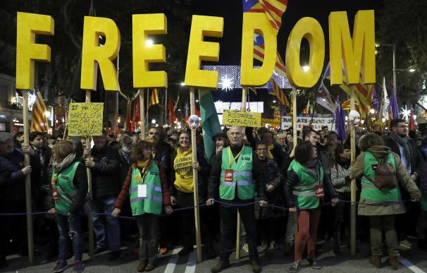 Durante la manifestación se ha pedido la libertad de los políticos en prisión.