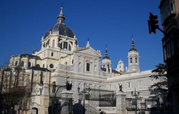 Javier Fernández asistirá este lunes al funeral de Estado en la Catedral de La Almudena
