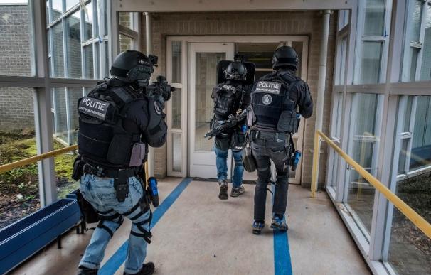 Agentes del Servicio de Intervención Especial (DSI) holandés en imagen de archivo