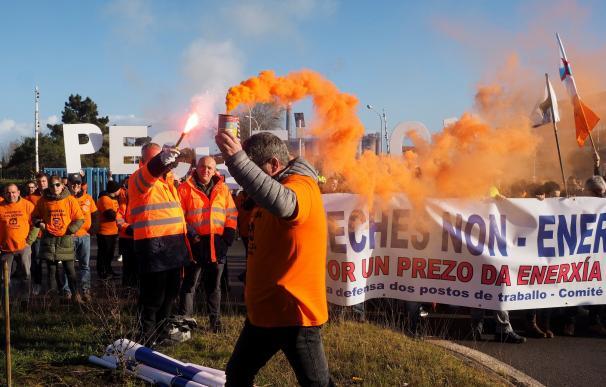Protesta de trabajadores de Alcoa en San Cibrao (Lugo).