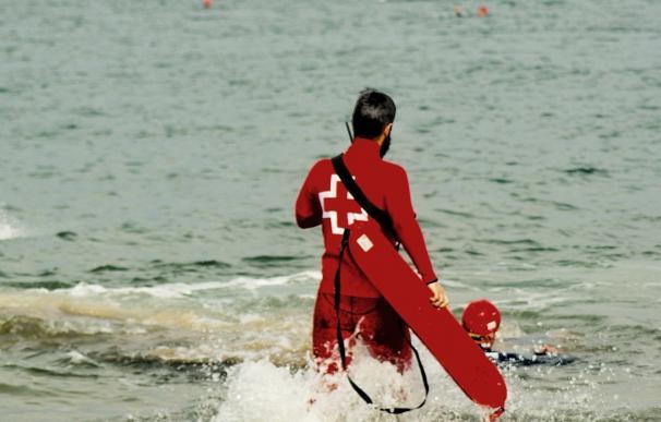 Cruz Roja alerta que los rescates a personas en riesgo de ahogamiento se han triplicado en lo que va de verano