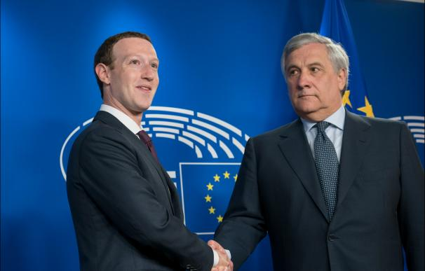 El CEO de Facebook, Mark Zuckerberg, durante su visita al Parlamento Europeo. / UE