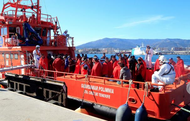 Inmigrantes en aguas del Estrecho