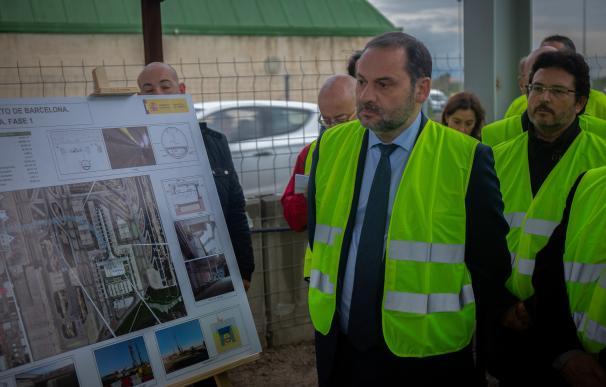 José Luis Ábalos visita las obras de la futura estación intermodal T2 del Aeropu