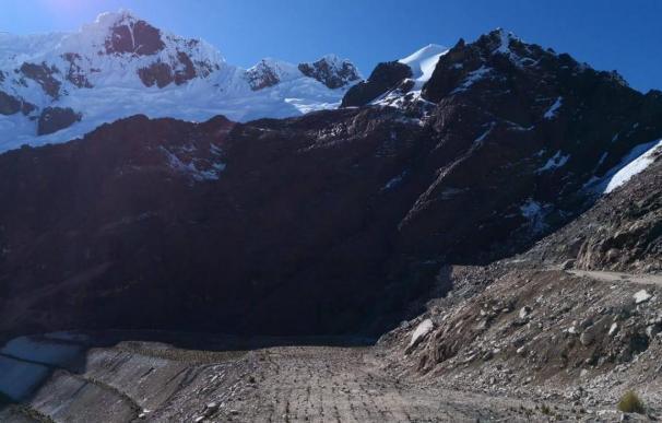 Avalancha mortal en los Andes peruanos (Huaraz Informa/Facebook)