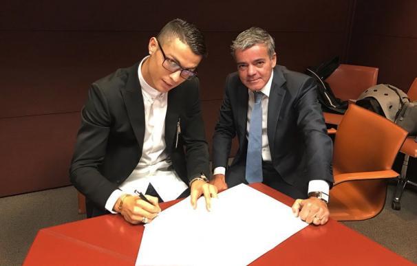Cristiano Ronaldo, junto a Osório.