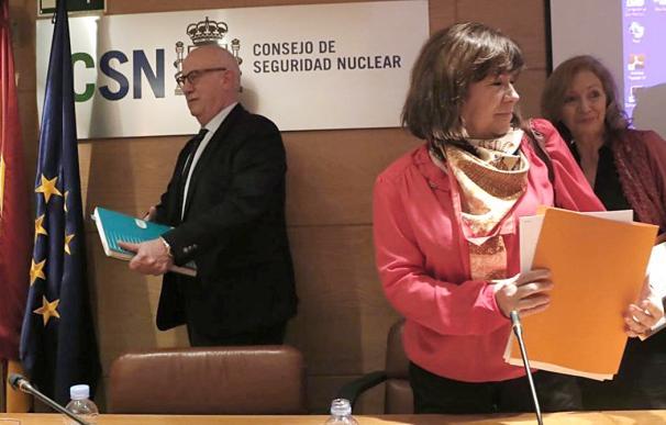 Fernando Marti, presidente del CSN y la entonces consejera Cristina Narbona en febrero de 2017.