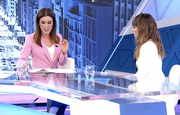 Raquel Sánchez Silva con Aitana.