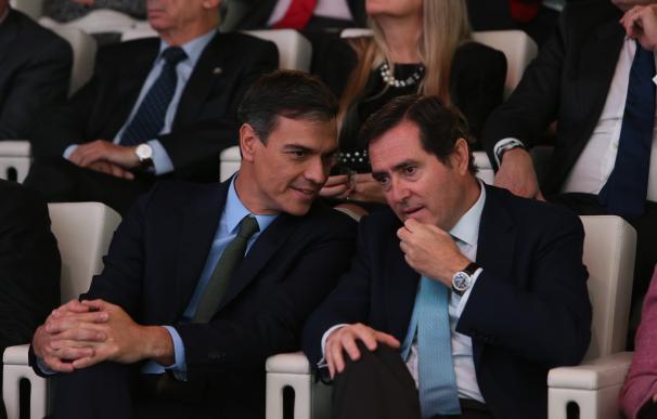 Pedro Sánchez y Antonio Garamendi / La Moncloa