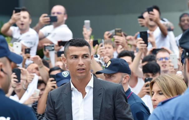 Cristiano tras pasar reconocimiento con la Juventus.