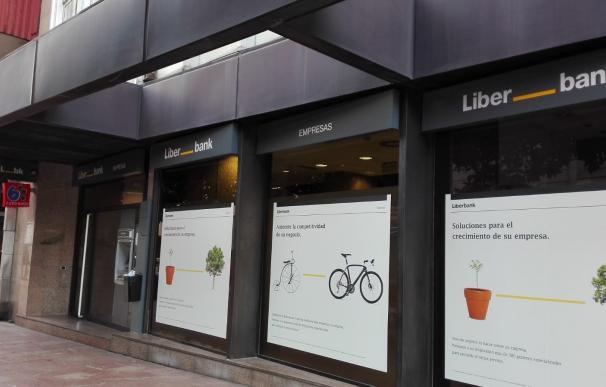 Oficina de Liberbank en Oviedo, cajero automático