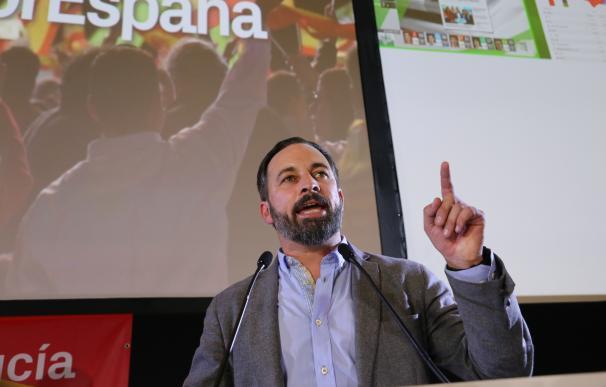 El presidente de VOX, Santiago Abascal, y el candidato a la presidencia de la J
