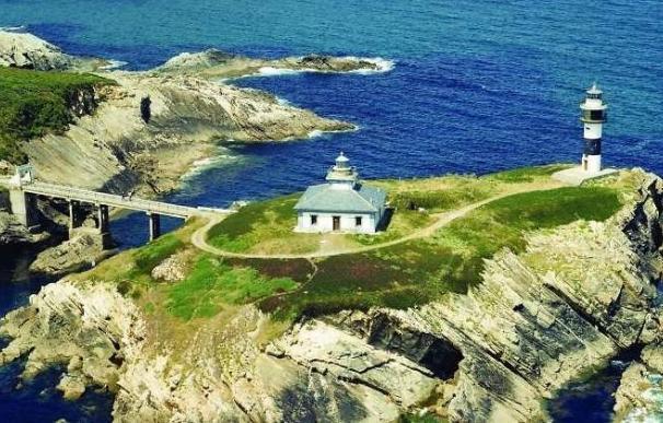 Faro de Illa Pancha en Ribadeo (Lugo) / EFE