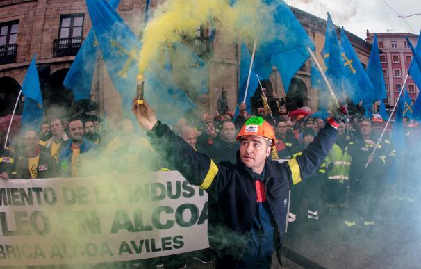Fotografía protestas trabajadores de Alcoa en Avilés / EFE