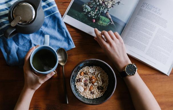 Desayunar por la mañana es algo que recomiendan para tener tu día más productivo.