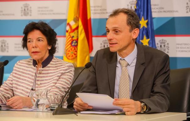 Pedro Duque y Mercedes Celáa