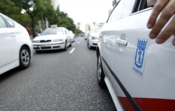 El taxi se une contra las plataformas de VTC como Uber y Cabify (EFE)