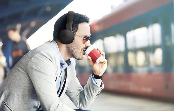 Fotografía de los auriculares de Motorola PulseEscape+.