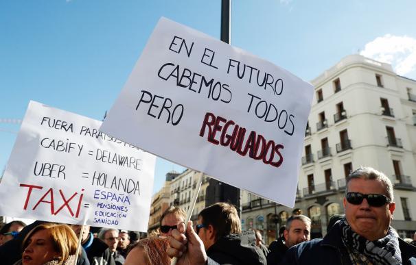 Madrid y Barcelona están en guerra para exigir la limitación a las VTC